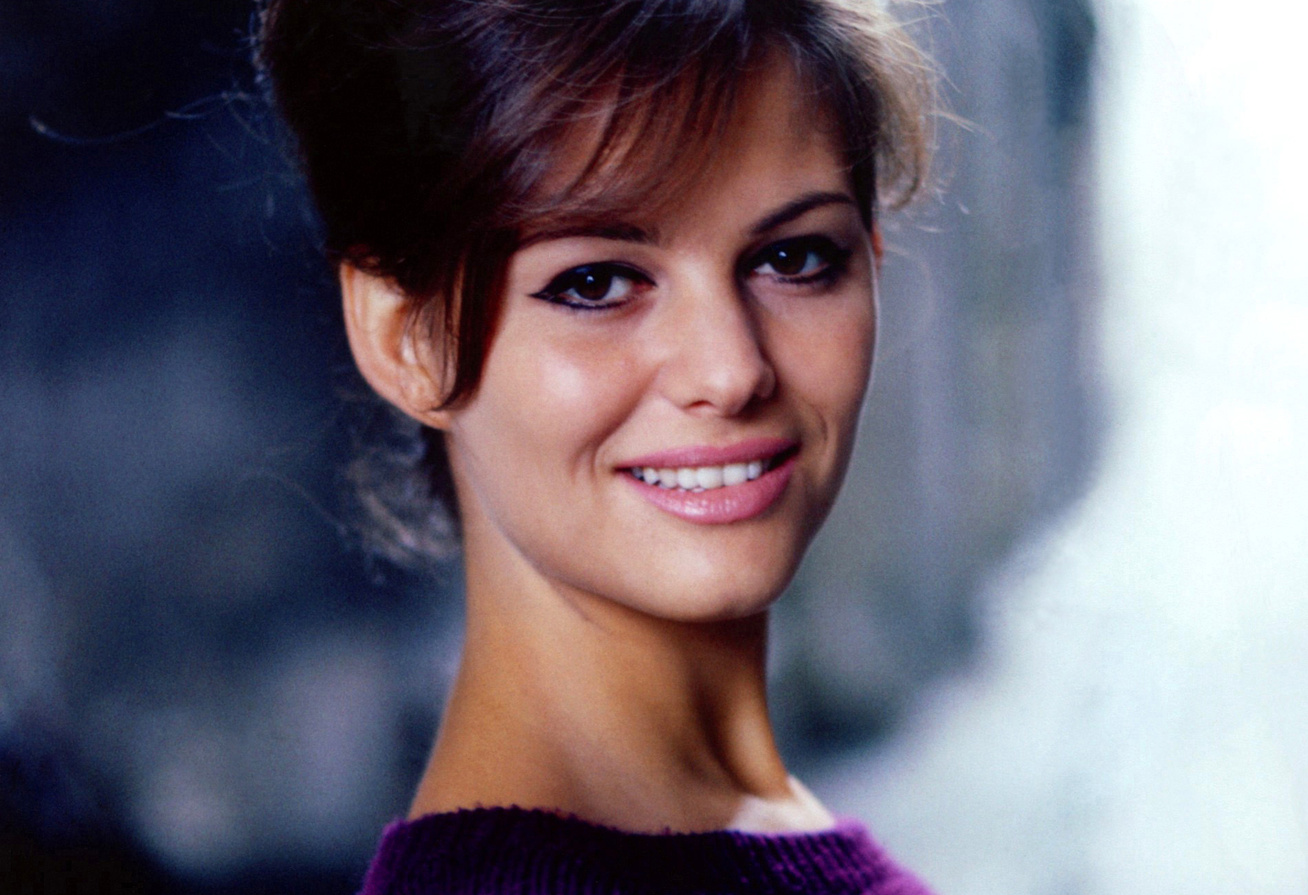 claudia-cardinale-budapest-cover