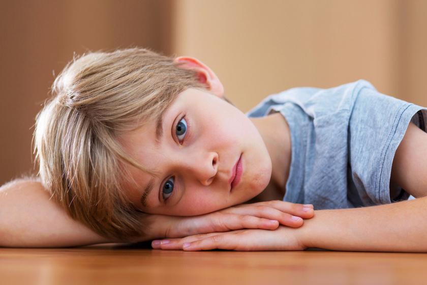 kisfiu-szomoru