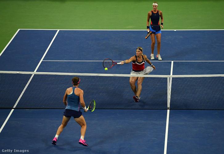Babos Tímea (Magyarország) és Kristina Mladenovic (Franciaország) a női középdöntőben játszik Samantha Stosur (Ausztrália) és Shuai Zheng (Kína) kettős ellen. 2018.09.06.