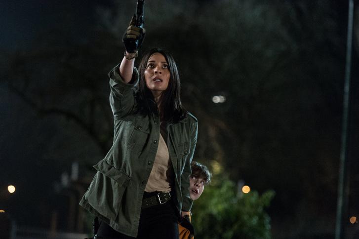 Olivia Munn a Predator - A ragadozó című filmben
