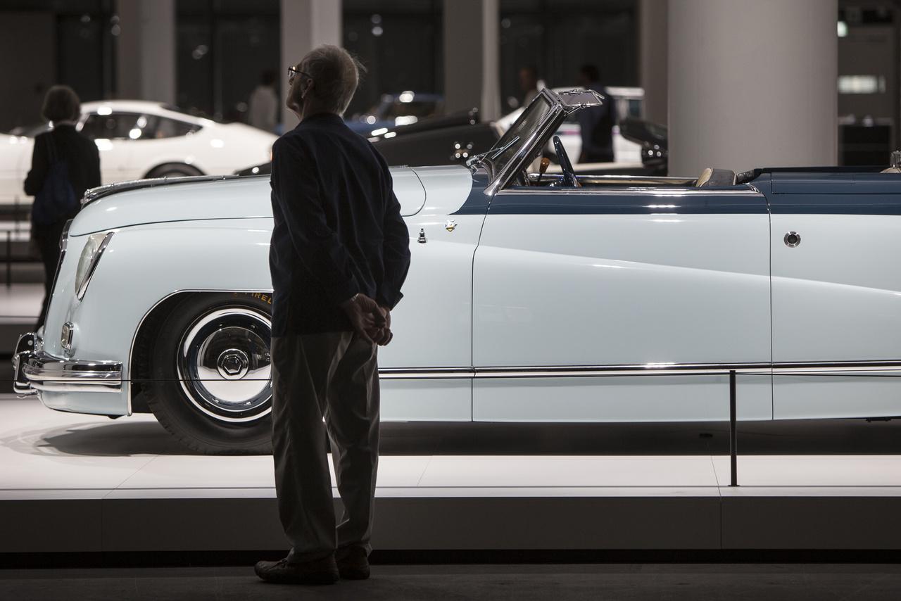 A háború utáni olasz autótervezés csodája: az Isotta Fraschini 8C Monterosa, egy amerikai piacra szánt hatüléses V8-as kabrió 1948-ból. Nem került sorozatgyártásra.