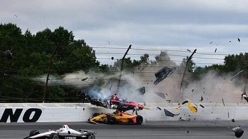 Borzalmas sérülések, csoda, hogy él az Indy-pilóta