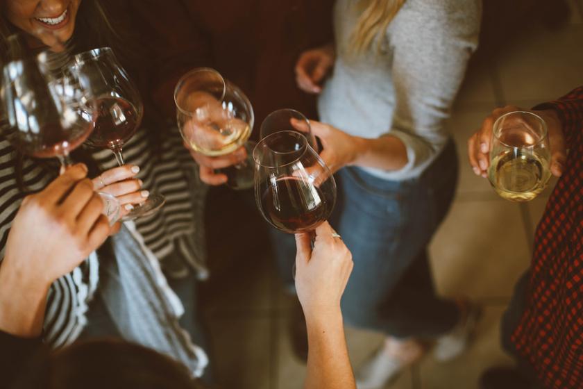 Éles savak, markáns tannin - Mit jelentenek a borkóstolós kifejezések?