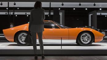 Csak Svájcig kell menni a világ legszebb autóiért
