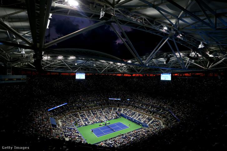A stadion Serena Williams és Karolina Pliskova keddi negyeddöntős meccse alatt.