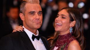 Megszületett Robbie Williams harmadik gyereke