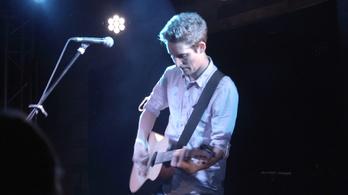 Feljöttem Pestre egy gitárral, az sem tudtam, hol alszom