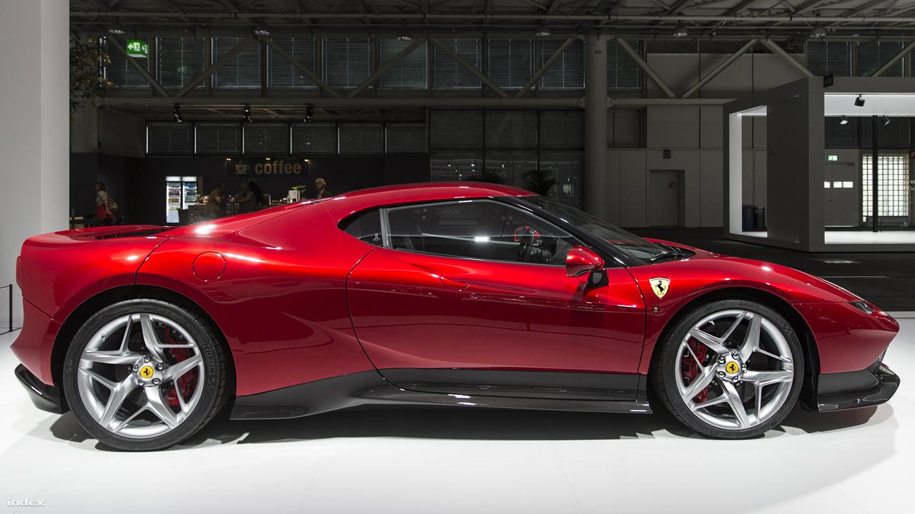 Ferrari SP38 Deborah, 2018. Idén mutatta be a Ferrari a Comói-tó partján, a Concorso d'Eleganza Villa d'Este autós összejövetelen ezt a 488 GTB alapján épült egyedi autót, ami egy dúsgazdag kliens külön megrendelésére öltött formát. A közutakon is vezethető versenyautó speciális tervezésű karosszériát, turbófeltöltéses V8-as motort kapott, a legtöbb Ferrari-rajongó pedig szívszélhűdést a  párját ritkító vörös mén láttán.