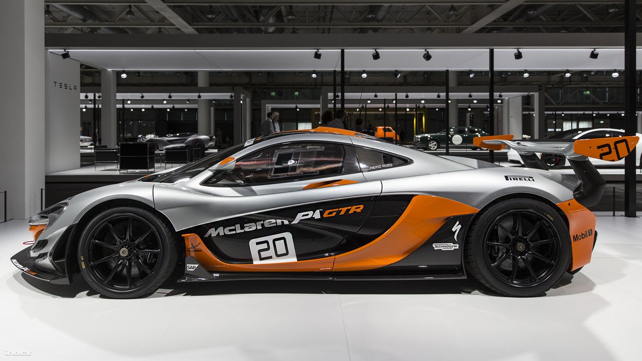 McLaren P1 GTR, 2015. A McLaren P1 986 lóerős versenyváltozatát, a GTR-t negyven példányban gyártotta a brit cég, és eredetileg csak P1-tulajdonosok vásárolhattak belőle.