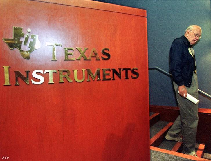 Jack Kilby 2000-ben fizikai Nobel-díjjat kapott a félvezető feltalálásáért.