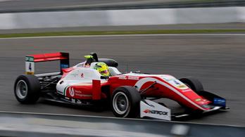 Schumacher fia beindult, sorban negyedik versenyhétvégén nyert