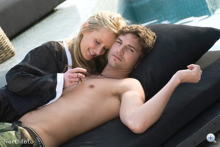 Ashton Kutcher (társaságában Anne Heche)