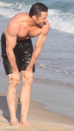 Hugh Jackman Rióban strandol