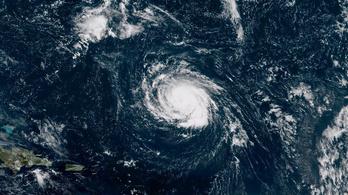 Egy óra alatt 3-asból 4-es fokozatú hurrikán lett Florence