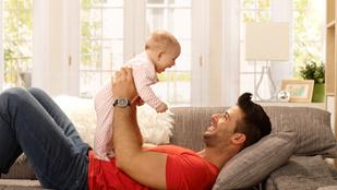 A magyar apák fele otthon maradna a gyerekével. Csak az a fránya pénz...