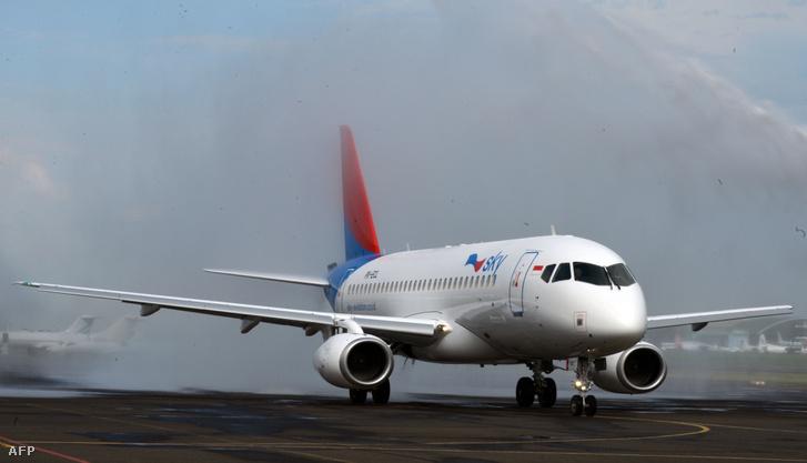 Az indonéz Sky Aviation Szuhoj Superjet 100-asa a jakartai Halim repülőtéren