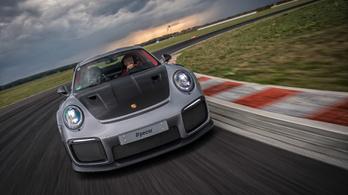 Pályateszt: Porsche 911 GT2 RS a Silesia Ringen, 1. rész