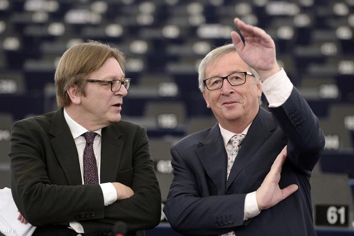 Guy Verhofstadt az ALDE frakcióvezetője és Jean-Claude Juncker az Európai Bizottság jelenlegi elnöke