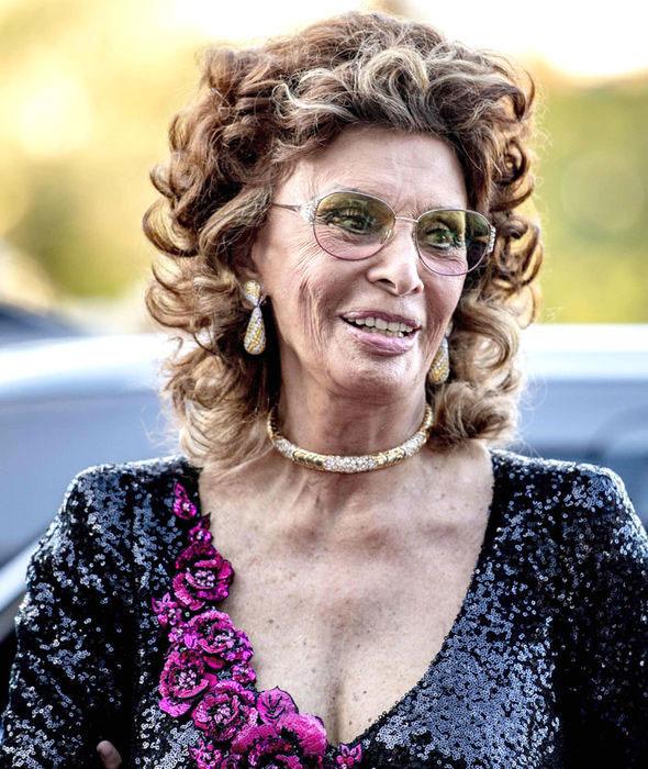 Így festett Sophia Loren a Hollandiában megrendezett Film by the Sea fesztiválon, melyet szeptemberben rendeztek - lélegzetelállító volt.