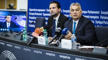 Orbán: A kioktatás, fenyegetőzés egy kommunista tempó