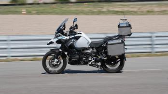 Önvezető motort épített a BMW
