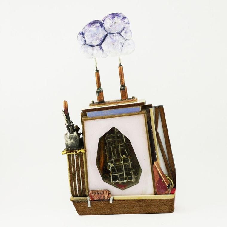 Juanjo Garcia Martin spanyol művész, akinek legutóbbi, Mares de Asfalto kollekciójának darabjai a városi környezetet elevenítik meg