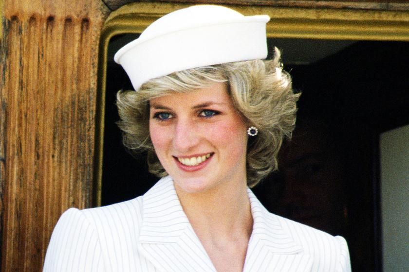 Diana ilyen kivágott ruhát húzott az operába - Melltartót sem húzott alá