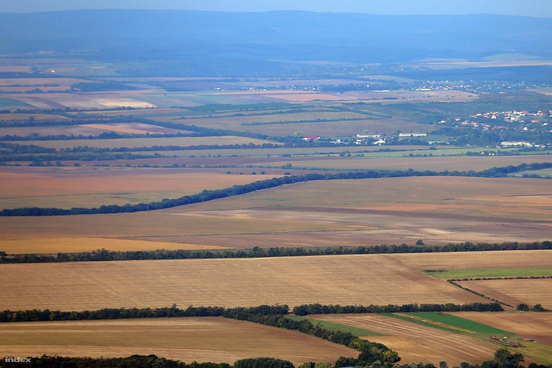 Kilátás a Csergezán-toronyból