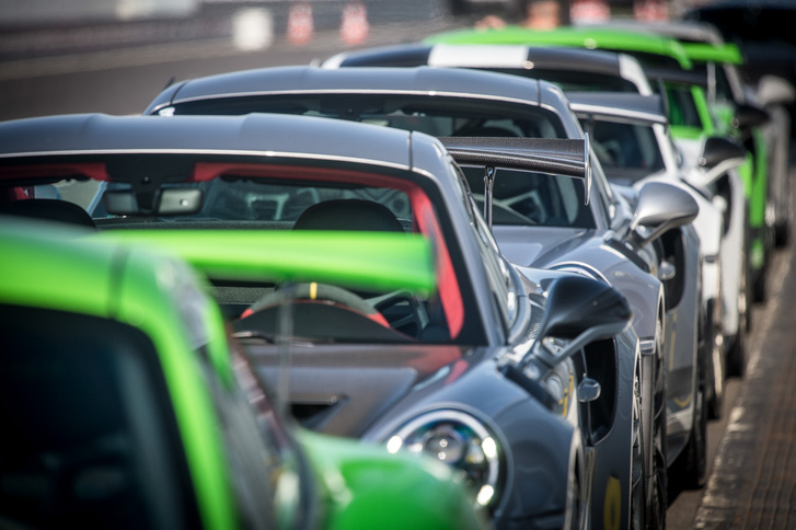 911-esek a pályán a 911 GT széria ellen: egyenlőtlen küzdelem