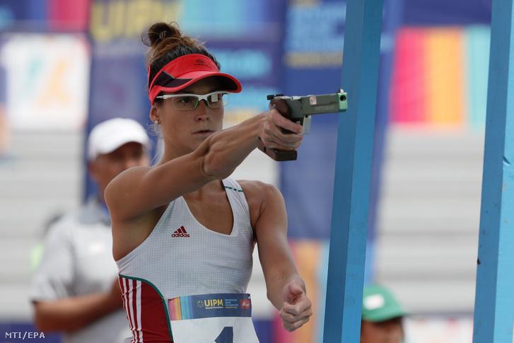 Földházi Zsófia a mexikóvárosi öttusa-világbajnokság női hagyományos versenyének selejtezőjében 2018. szeptember 10-én.
