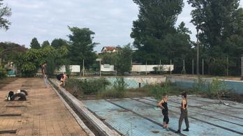 Táncszínház lesz az elhagyatott csepeli strand medencéjéből
