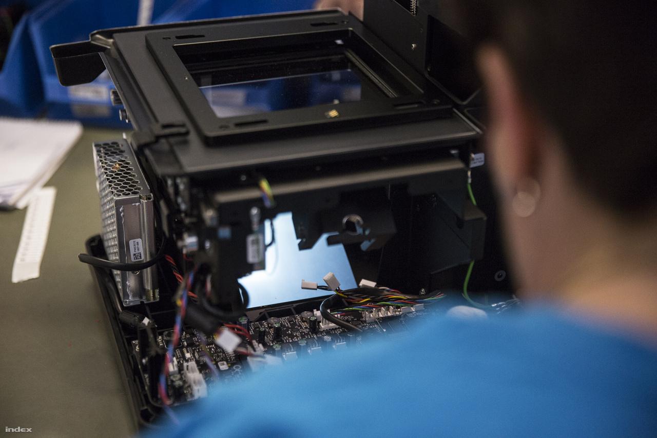Egy amerikai startup pár évvel ezelőtt kitalálta, hogy széles körben elérhető 3D nyomtatókat szeretne gyártani, ehhez a Videotonban talált partnerre.