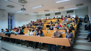 Hiába minden, diplomával lehet jól keresni Magyarországon