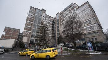 Amatőr hibák miatt nézhet ki a Kútvölgyi külseje úgy, mint egy zombifilm kórháza