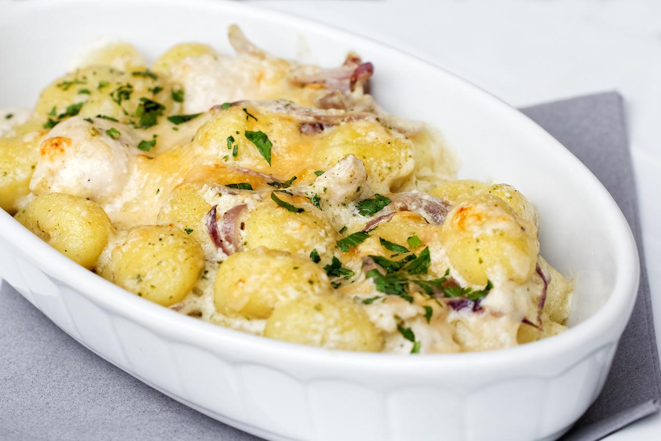 Csirkés, mascarponés gnocchi a sütőből: bolti tésztával még gyorsabb