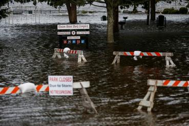 New Bern, Észak.-Karolina: Az áradások okozta károk is jelentősek lehetnek. A hatóságok egymillió ember evakuálását rendelték el.