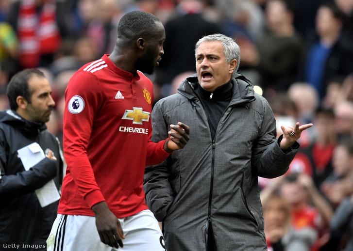 Romelu Lukaku és Jose Mourinho 2018.03.10-én Manchester United és Liverpool közötti meccsen