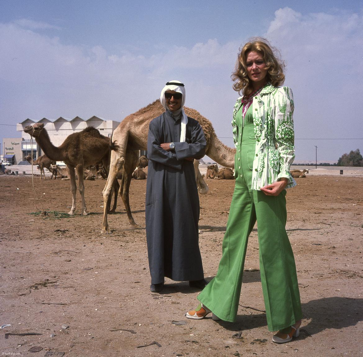 Egy emblematikus divatfotó 1973-os Schiffer Pál-kép Zám Edit manökennel az arab divatfotózáson. Ezzel 2018-ban is megállják a helyüket.