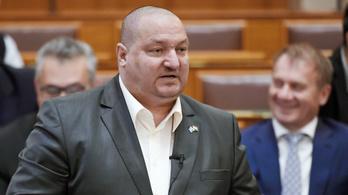 Németh Szilárd vezetésével bevándorlásellenes kabinet alakult