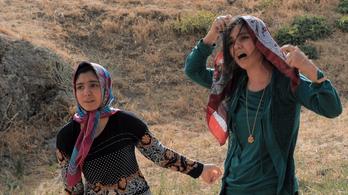 Illegalitásban sem tud hibázni az ellehetetlenített iráni rendező