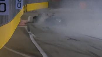 Hamilton versenyzett kicsit Vettellel, majdnem ütközés lett a vége
