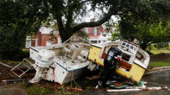 Már 13 halottja van a Florence hurrikánnak