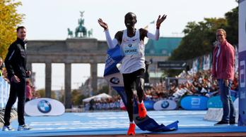 Döbbenetes maratonvilágcsúcsot futott Kipchoge, az első futó 2 óra 2 percen belül