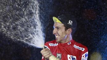 Simon Yates nyerte a Vueltát