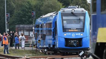 Hidrogénmeghajtású vonat állt forgalomba Németországban
