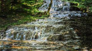 5+1 gyönyörű hazai vízesés, ahova idén ősszel el kell látogatnod