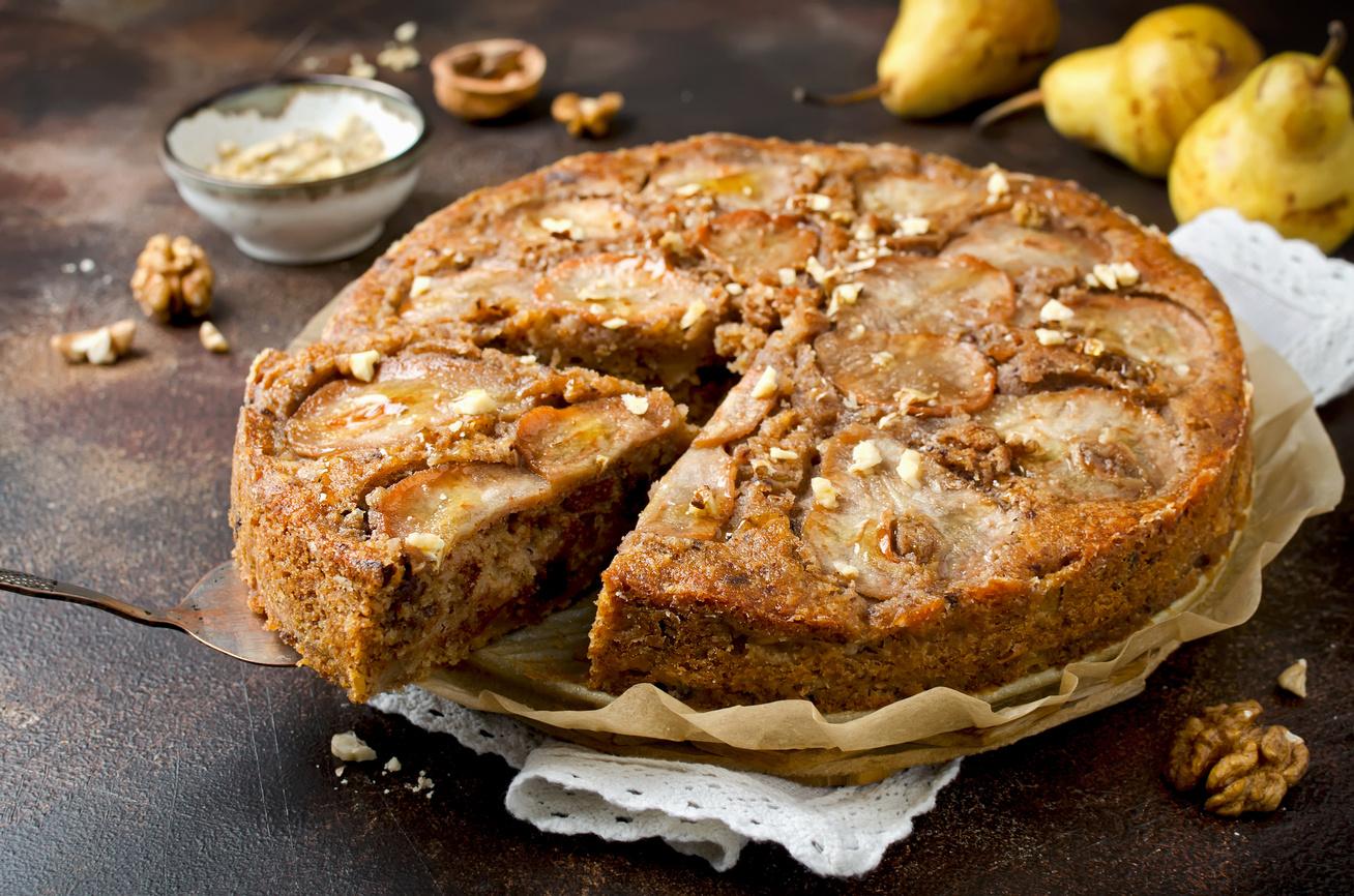 Zamatos, illatos, diós-körtés süti: egyszerű kevert tészta az ősz kedvenceivel