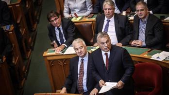 Orbán a luxusutazásairól: 30 éve így megyek, jövő héten is így fogok
