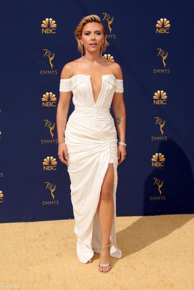 Scarlett Johansson általában mindig szerepel az ilyen szexi nőket felvonultató összeállításokban.