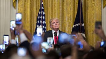 Trump feloldotta több, az orosz beavatkozásra vonatkozó dokumentum titkosítását